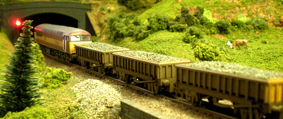 Class 56 waits at the red signal